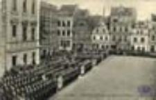Szprotawa / Sprottau; Paradeaufstellung auf dem Marktplatz